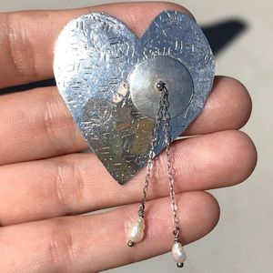 Sterling Silver Pearl Hammered Heart Pin